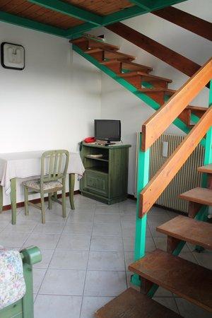 Hotel Restaurant La Rosa: camera quarto piano con soppalco
