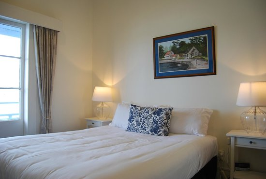 Mangonui Waterfront Apartments: Tahi bedroom