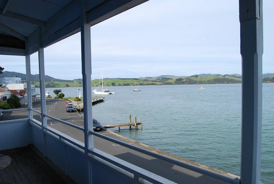 Mangonui Waterfront Apartments: Tahi view