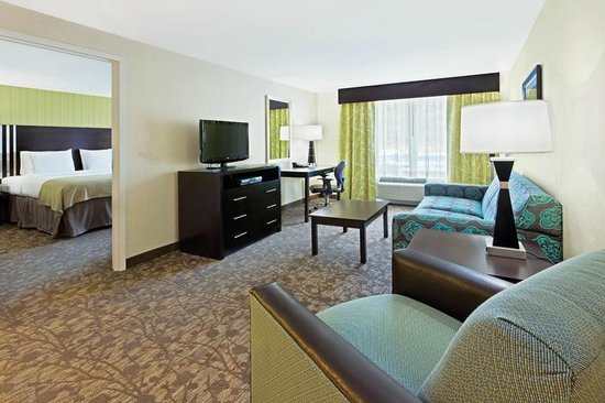 Holiday Inn Express Neptune : Suite