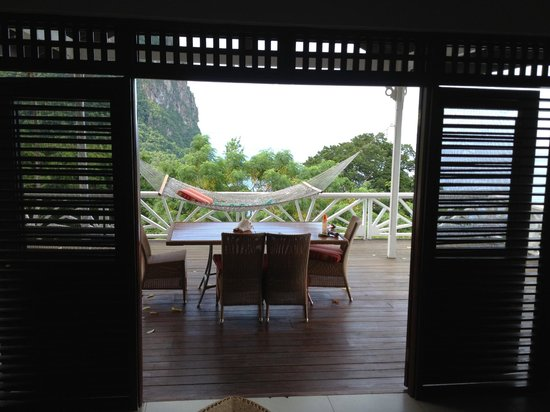 Stonefield Villa Resort: Looking from living room out onto the patio, Flamboyant Villa