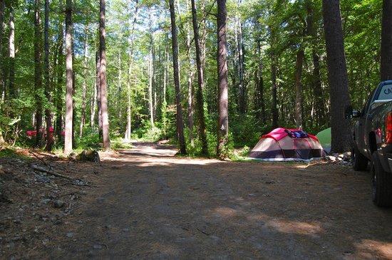 Hope Valley, RI: Camp Sites