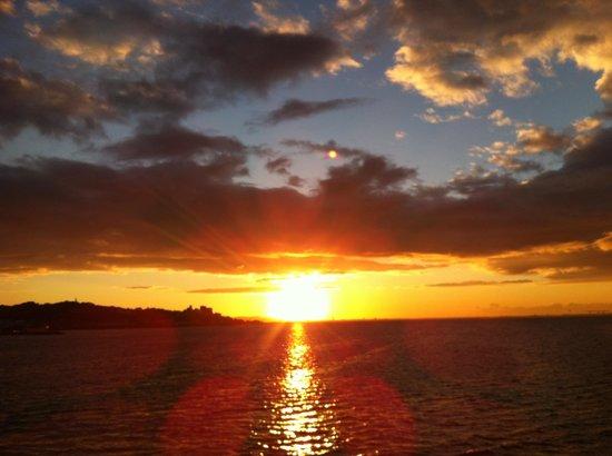 Gamagori, Japan: 竹島からみた日の出