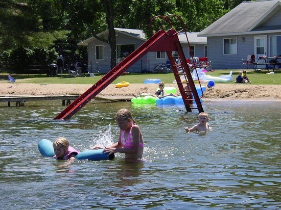 Motley, MN: Fun and relaxation by the beach!