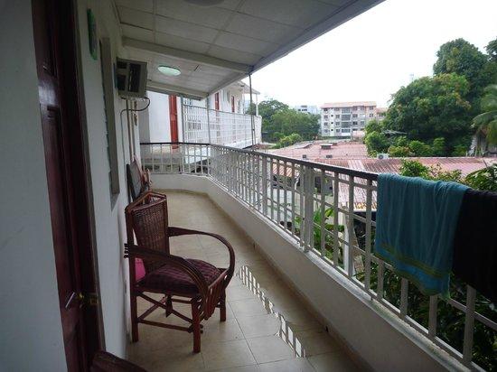 Casa Cuba Hostal S.A.: Balcon accès depuis la chambre