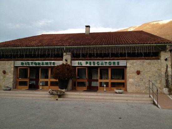 Albergo Ristorante Il Pescatore : vista dell'albergo - ristorante