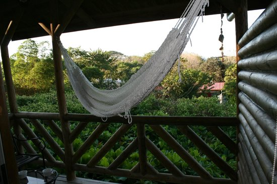 Horizon Ocean View Hotel and Yoga Center: upper balcony and hammock