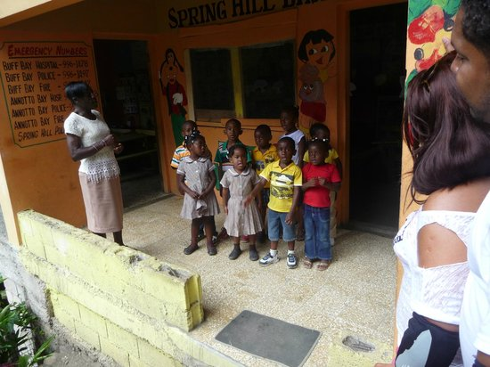 Moon San Villa: Bike Tour meets lovely Jamaican Kids