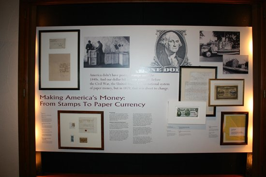 Crane Museum of Papermaking: Currency display