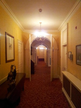 Mount Juliet Estate: Hallway