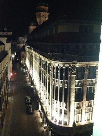 Steigenberger Grandhotel Handelshof: Blick aus dem Zimmer