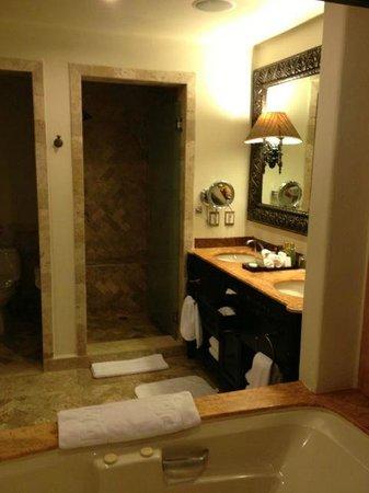 Bathroom picture of secrets maroma beach riviera cancun for Riviera bathrooms