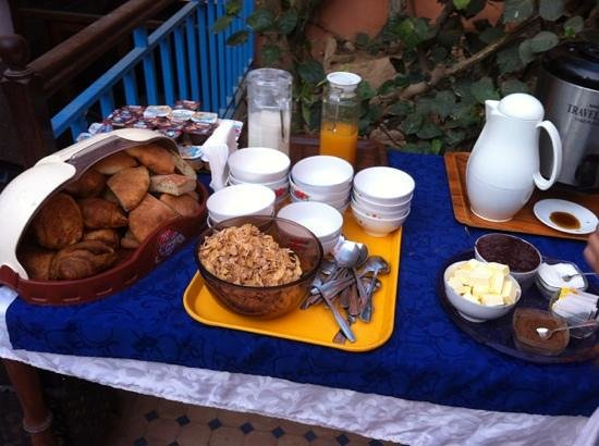 Riad Imourane : breakfast - same every day, gets a little boring after a few days