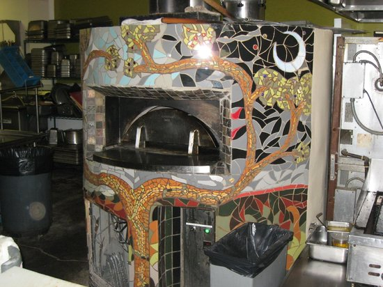 Sierra Grande Lodge & Spa: Artfully decorated oven at Bella Luca Restaurant
