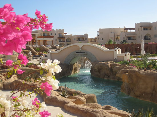 Kempinski Hotel Soma Bay : le pont du lazy river