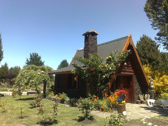 Puelo Ranch Vista Del Cerro Tres Picos Foto De Cabanas