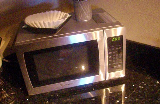 Balcony Guest House: All the guestrooms and suites have refrig/microwave.  Perfect of New Orleans leftovers &  quick