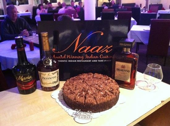 Naaz Indian Cuisine: birthday cake at the restaurant