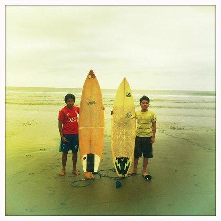 Cabanas la Iguana: Surfer