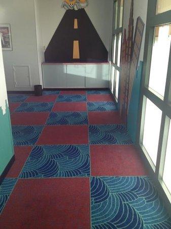 Disney's Hotel New York: kids play area.... pathetic !