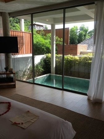 Baan Haad Ngam Boutique Resort & Villas: view from bottom pool room