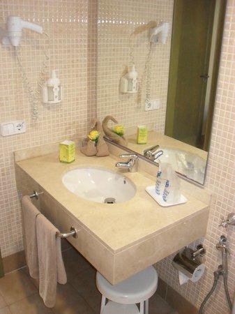 HD Parque Cristobal Gran Canaria : salle de bain