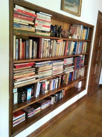 Bücherwände eine der bücherwände bild domaine du moulin laurent