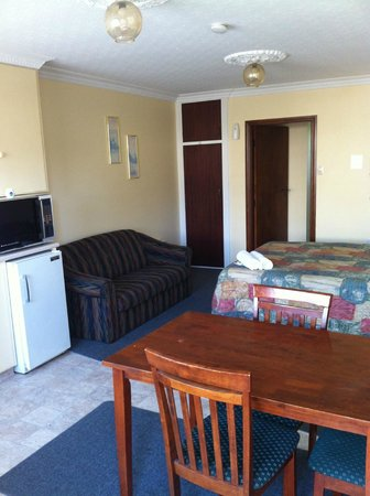 Ferry Motel : One Bedroom Family Unit