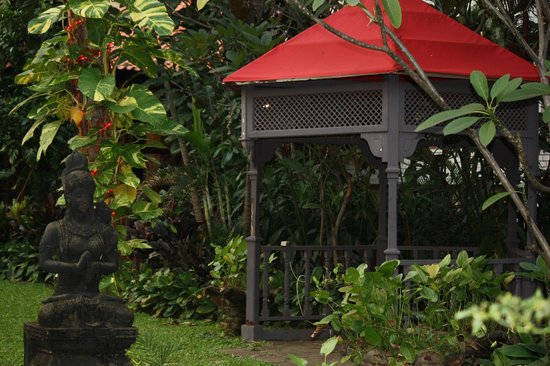 The Sultan Hotel & Residence Jakarta: Garden