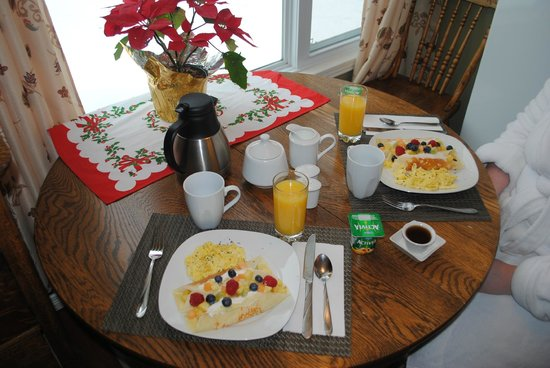 Little Island Lake Guest Suite: Morning 2 breakfast