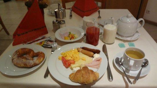 Hotel Agneshof: 朝ごはん