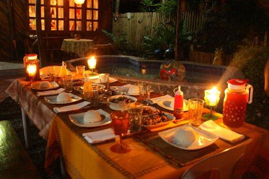 Natura Vista: Dining set-up outside 