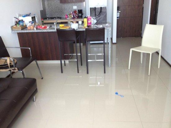 Estelar Apartamentos Barranquilla: acabados muy pobres...mala calidad, no confortables..