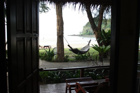 Twin Bay Resort: View from Beachfront Bungalow (231)