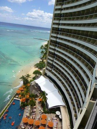 Sheraton Waikiki: Oceanfront of hotel