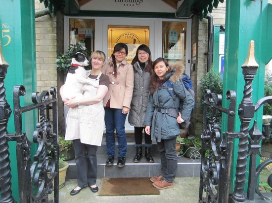 Farthings Guest House: Helen/Poppy and us