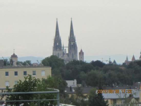 BTT Serviced Apartments: View from the BTT service apartments. U can see the cathedral.