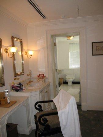 Carcosa Seri Negara: Bathroom and Powder Room