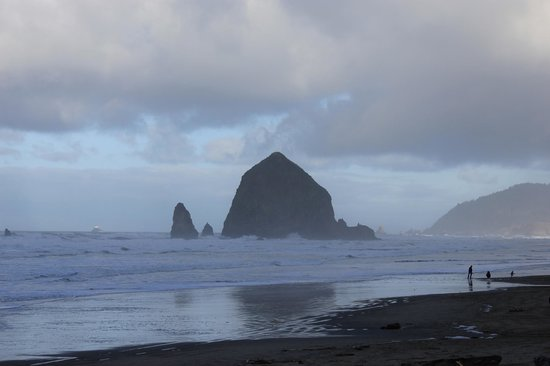 Arch Cape Inn & Retreat: Haystack rock, Cannon Beach, OR