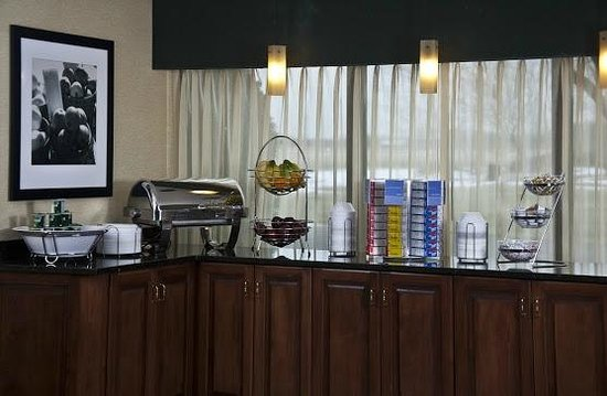 Country Inn & Suites By Carlson, Sandusky South: Breakfast