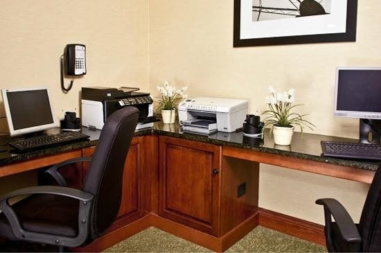 Country Inn & Suites By Carlson, Sandusky South: Business center
