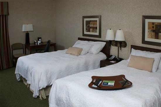 Country Inn & Suites By Carlson, Sandusky South: Charge all of your devices with ease