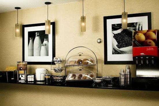 Country Inn & Suites By Carlson, Sandusky South : Breakfast included