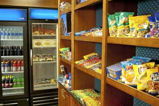 Country Inn & Suites By Carlson, Sandusky South: Sweet shop