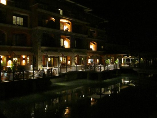 The Buenaventura Golf & Beach Resort Panama, Autograph Collection: Tamarindo restaurant at night