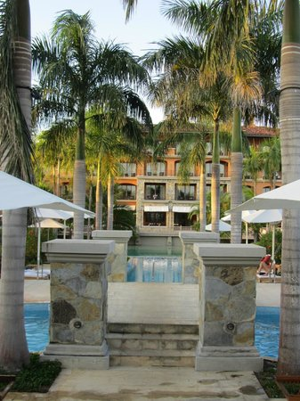 JW Marriott Panama Golf & Beach Resort: Hotel and pools