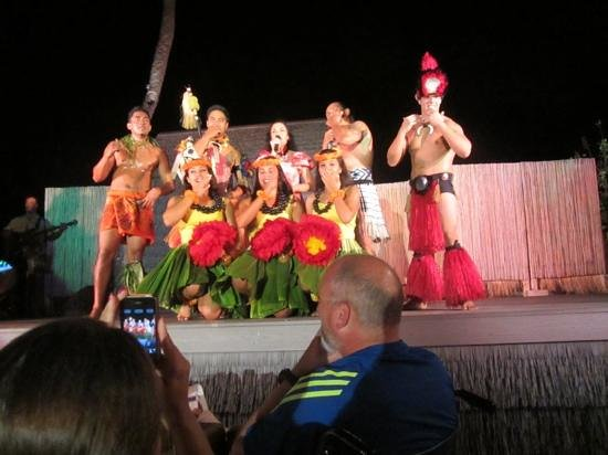 Island Breeze Luau at the King Kamehameha Hotel: GREAT CAST.pic taken from upgraded seats