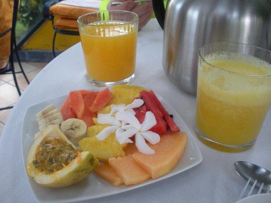Isla Verde Hotel: Breakfast was beautiful and delicious