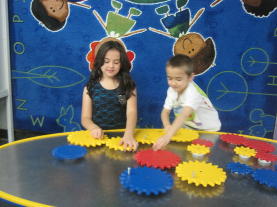 The New Jersey Children's Museum: Fun with Gears!