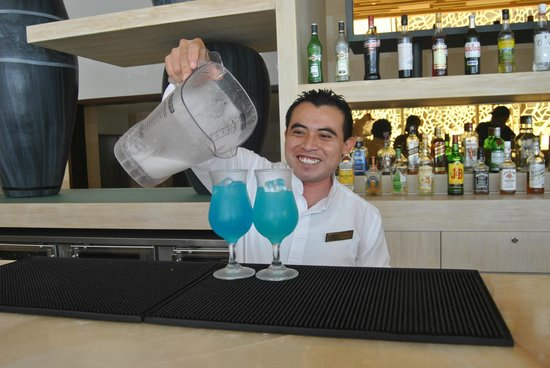 Secrets The Vine Cancún: One of our favorite bartenders!